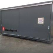 container con porte scorrevoli in acciaio e pannello coibentato