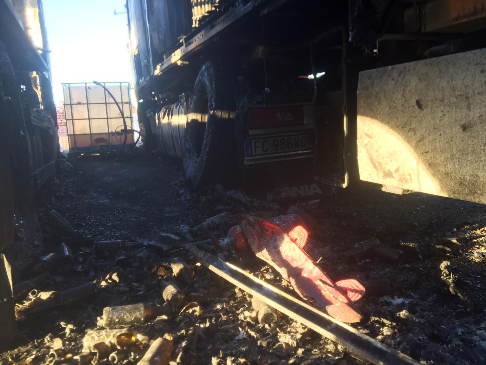ripristino stradale dopo incidente camion 17