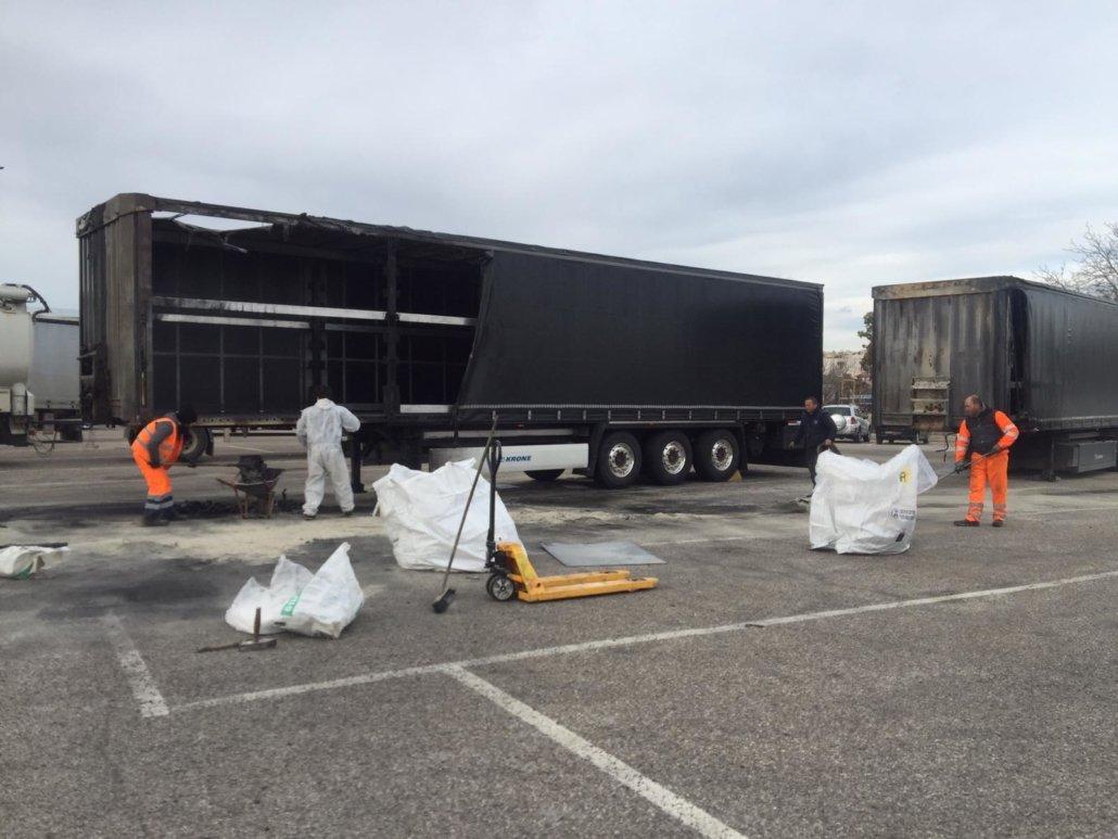 ripristino stradale dopo incidente camion 03