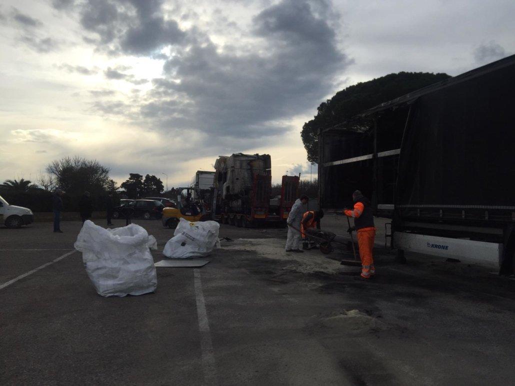 ripristino stradale dopo incidente camion 01