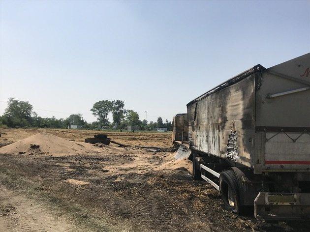 intervento antinquinamento camion grano in fiamme 06