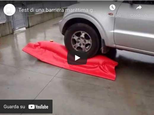 video sulle barriere di contenimento gonfiabili